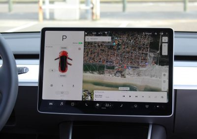 Tesla Model 3 - Tableau de bord
