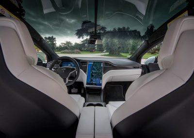 Vue intérieure d'une Tesla Model X